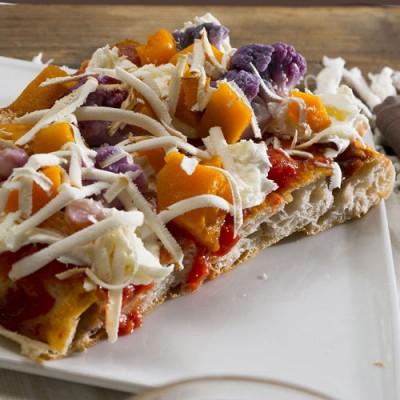 Pizza la tavă  prin folosirea drojdiei naturale